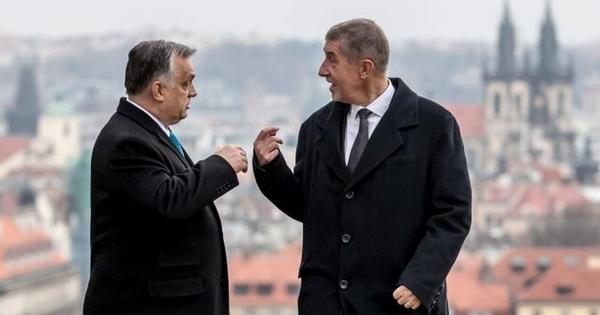 Sorra buknak Orbán barátai