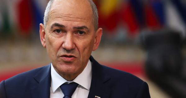 Soros-bábnak nevezett EP-képviselőket a szlovén kormányfő