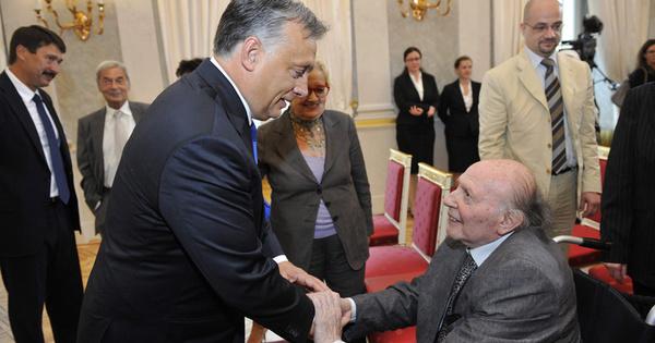 Orbán a saját céljaira használja Kertész Imrét