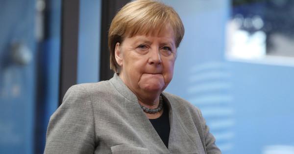 Merkel is hibás Orbán néppárti támogatásában