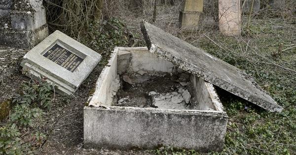 Zsidó sírokat rongáltak meg Moldovában és Magyarországon