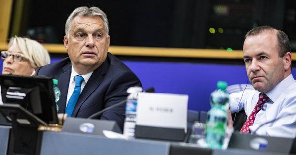 A CDU előtt kemény döntés áll: el kell döntenie a Fidesz európai sorsát